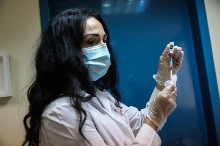 Ανοίγουν οι εμβολιασμοί για τους άνω των 30 ετών