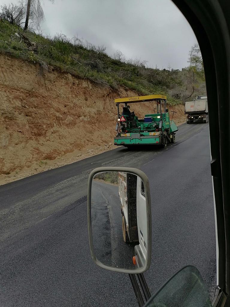 Συνεχίζεται η ασφαλτόστρωση του δρόμου Ψαχνά-Κοντοδεσπότι (φωτό) 170198175 327011988846352 5901634851720606728 n