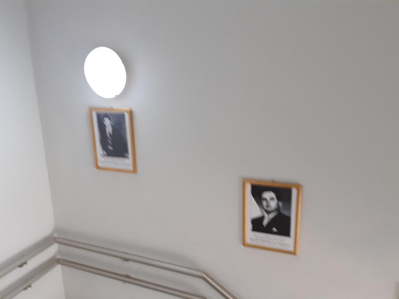 Κάδρα με φωτογραφίες όλων των Δημάρχων από το 1949 μέχρι και το 2014 τοποθέτησε ο Δήμαρχος Γιώργος Ψαθάς στις σκάλες του Δημαρχείου (φωτογραφίες) 2 4