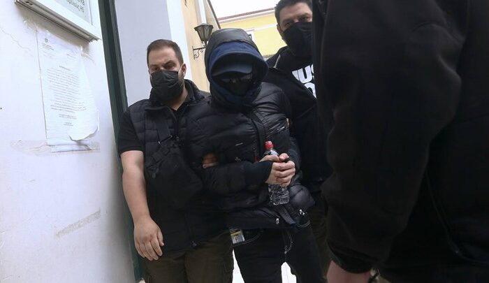 Μένιος Φουρθιώτης: Ζήτησε να κάνει μεροκάματα στις φυλακές - Μαζί με άλλους τέσσερις στο κελί