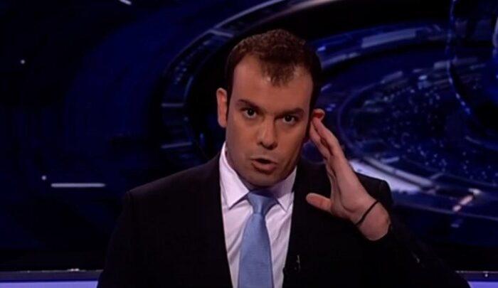 Η στιγμή της επίθεσης σε τηλεοπτικό κανάλι της Κύπρου - Το σοκ του παρουσιαστή του δελτίου ειδήσεων