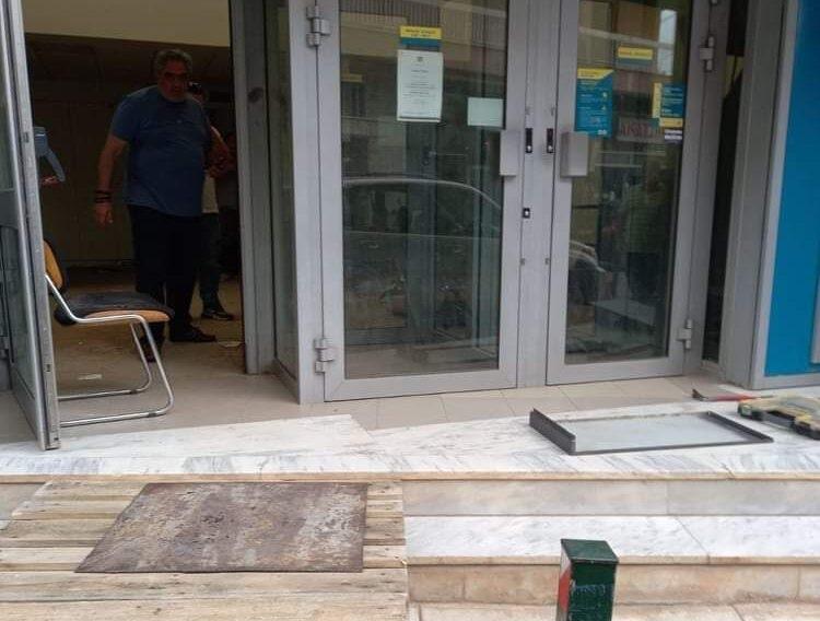 Σε χώρο που να ανήκει στον Δήμο ζητάει ο Δήμαρχος Γιώργος Ψαθάς να μεταφερθεί το ΑΤΜ της ΕΘνικής τράπεζας